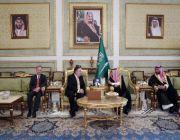 Mike Pompeo meets Saudi king over Khashoggi's disappearance