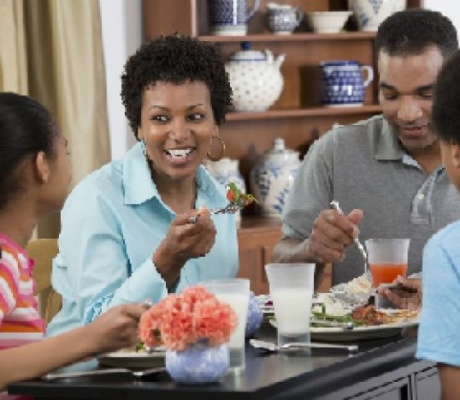 4 Ways to Connect and Grow as a Family This Winter