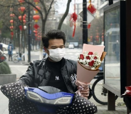 Virus infects more than 1,700 health workers in China, 6 die