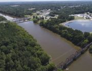 Fearsome new stage begins as Florence floods inland rivers