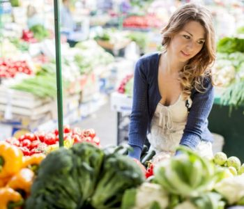 12 Farmers Market Must-Haves, According to Dietitians