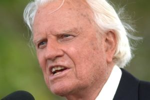 Evangelist Billy Graham, who reached millions, dies at 99