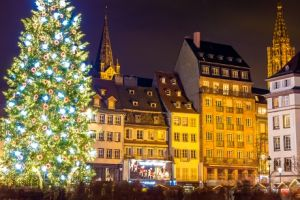 The 8 Dreamiest Christmas Destinations Around the World   Holiday magic, right this way