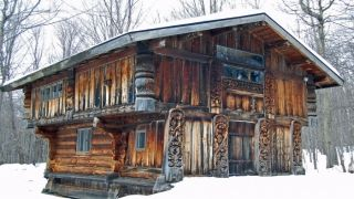 Rustic Tiny Homes for a Wintertime Retreat